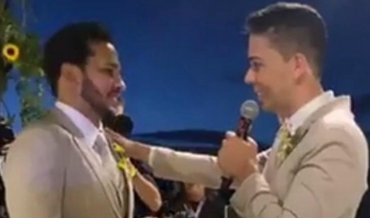 2984ce0c2 Carlinhos Maia explica porque não beijou Lucas Guimarães na cerimônia de  casamento